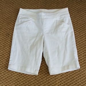 Jag Jeans Pull on Shorts - 10 - White